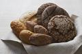 gabonafélék, hüvelyesek és őrleményeik, kenyerek, péksütemények